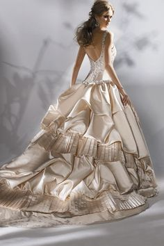 Eve of Milady.... pretty back