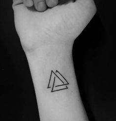 Tattoo triangle - Tattoo triangle You are in the right place about simple tattoo Here we offer you the most beautiful - Mini Tattoos, Dreieckiges Tattoos, Tatuajes Tattoos, Irezumi Tattoos, Forearm Tattoos, Body Art Tattoos, Small Tattoos, Sleeve Tattoos, Dragon Tattoos