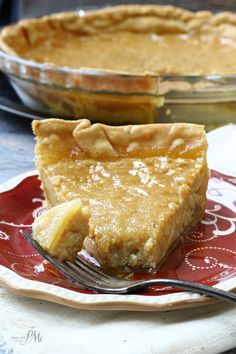 A popular pie, this Old Fashioned Sugar Pie Recipe has a caramel custard filling and flaky crust. A popular pie, this Old Fashioned Sugar Pie Recipe has a caramel custard filling and flaky crust. Amish Recipes, Tart Recipes, Sweet Recipes, Cooking Recipes, Amish Sugar Pie Recipe, Brown Sugar Pie Crust Recipe, Milk Pie Recipe, Canadian Recipes, Recipe Mom