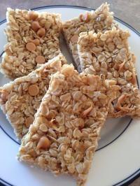 No Bake Granola Bar on MyRecipeMagic.com #bars #granola #nobake #breakfast