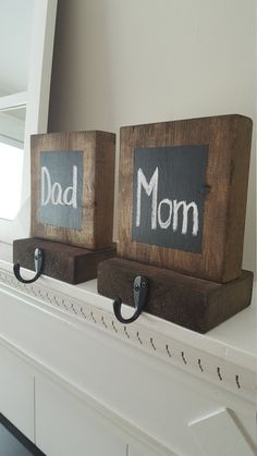 This listing is for beautiful Rustic Wood Stocking Holders, the perfect addition to your mantle this holiday season! Each stocking holder comes with a blank chalkboard square for you to personalize with chalk! Both pieces of wood are 2 thick. Top piece of wood measures approximately 6x6 and bottom piece measures approximately 4x6. All packages shipped within the US will ship USPS Priority Mail (typically 1-3 business days) *Wood is stained with a rich dark walnut color *If you plan to…