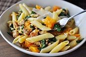 Dinner Recipe: Spicy Chicken and Butternut Squash Penne. The perfect meal when you're craving savory pasta with autumn squash. Pasta Recipes, Dinner Recipes, Cooking Recipes, Healthy Recipes, Dinner Ideas, Dairy Recipes, Fun Recipes, Healthy Dinners, Veggie Recipes