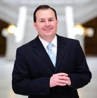 Sen. Mike Lee: America 'Could Be Losing Ground' on Religious Liberty