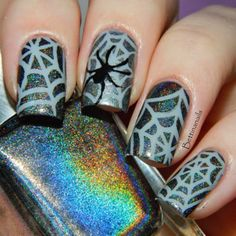 halloween-acrylic-nails-designs-Ideas-with-glitter-spider