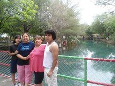 Daniel, Mema ,Martha e hija.
