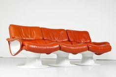 Yrjö Kukkapuro Saturn Bauhaus, Mid-century Modern, Modern Design, Furniture Design, Danish Furniture, Futuristic Design, Leather Sofa, Vintage Designs, Living Room Furniture