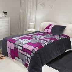 Mikroplyšové povlečení Microdream – 70×90 + 140×200 – Ruby růžová Pohodlné Mikroplyšové povlečení Microdream – 70×90 + 140×200 – Ruby růžová levně.Exkluzivní mikroplyšové povlečení. Pro více informací a detailní popis tohoto povlečení přejděte na stránky … Comforters, Blanket, Bedding, Furniture, Home Decor, Creature Comforts, Quilts, Decoration Home, Room Decor