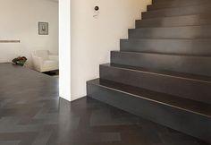 Vloer en trap van staal