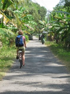 Calm streets on the Andamans in India » Looks perfect, just my speed.