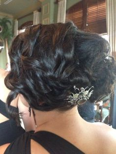 Look at the detail in this 20's inspired look and the beautiful hair pin was a great statement piece! Click here to see more: http://www.dualityartistry.com