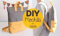 Cómo hacer una moderna mochila con bolsillo y asas DIY - El Cómo de las Cosas Backpack Tutorial, Backpack Pattern, Mochila Floral, Mochila Tutorial, Old Jeans Recycle, Denim Backpack, Diy Sac, Crochet Diy, Fabric Stamping