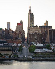 A CIDADE BRANCA: newyorkcityfeelings:   West 34th Street by...