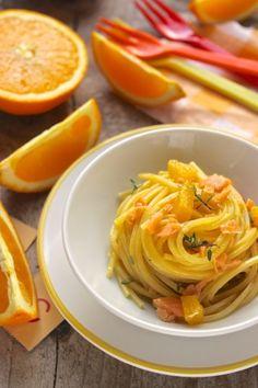 spaghetti alla chitarra con salmone e succo d'arancia