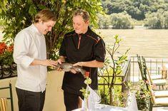 Herr Heinzle sprach mit hotelstyle & gastro über Meeresfische, worauf man beim Einkauf in Meeresbetrieben aufpassen muss und welche Speisefische bei ihm auf der Karte stehen. Gerhard, Chef Jackets, Fine Dining, Shopping