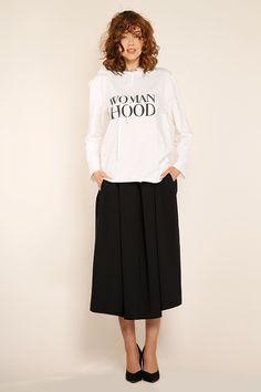 #furelle #furellefashion #furellestyle #style #fashion #designer #fashiondesigner #takaja #beyourself #woman #womanfashion #fashionity #womanity #womanhood #takaja #springsummer #2017 #colors #lovetocolor #feminine #woman #withlovetocolors #womanhood #hoodie #blackskirt Elle Fashion, Womens Fashion, 2017 Colors, Colours, Midi Skirt, Feminine, Spring Summer, Hoodies, Skirts
