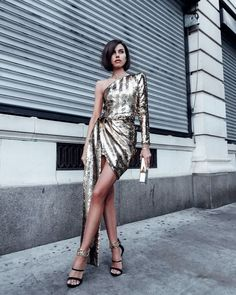 Love this sparkly gold sequin mini dress - perfect for an evening out for a special occasion. Paired it with black strappy high heel sandals with gold chains Mermaid Sequin Dress, Sequin Mini Dress, Black Tie Wedding Guest Dress, Cute Christmas Outfits, Christmas Sweaters, Matching Couple Outfits, On Repeat, Thanksgiving Outfit, Edgy Outfits