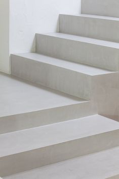 Interior SS is a minimalist interior located in Nove, Italy, designed by Didonè Comacchio Architects Interior Stairs, Interior Architecture, Interior And Exterior, Interior Design, Minimalist Interior, Modern Minimalist, Concrete Stairs, House Stairs, White Aesthetic