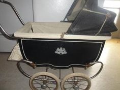Looks just like my old doll carriage. 1945-1948