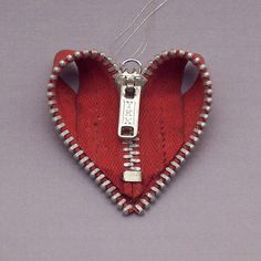 Zipper Heart ornament by Create With Bogate, via Flickr  What a fun thing to do with a zip