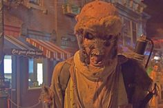 Halloween Horror Nights Hollywood - Exterminatorz scare zone