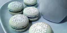 Christmas Special 4: Peppermint Macarons