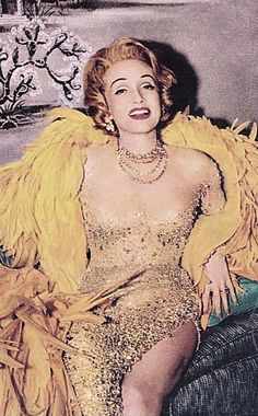 LA DIETRICH. Old Hollywood Movies, Old Hollywood Glamour, Golden Age Of Hollywood, Vintage Glamour, Vintage Hollywood, Vintage Beauty, Classic Hollywood, Hollywood Style, Marlene Dietrich