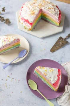 Gâteau de crêpes façon rainbow cake Crepe Cake, Sugar, Cookies, Food, White Chocolate Ganache, Kitchens, Fun Desserts, Crack Crackers, Biscuits
