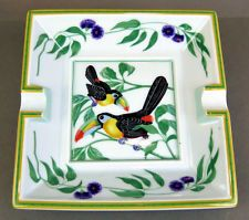 "AUTHENTIC HERMES 6.3"" TOUCAN BIRD DESIGN PAINTED WHITE ASHTRAY MADE IN FRANCE"