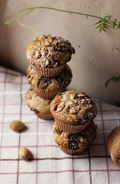 muffins with cranberries and almonds