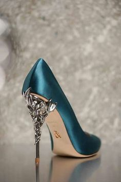 #shoes #fashion pinterest:@krmzrjm instagram:ozgeengn
