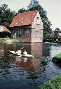 Einen erbärmlichen Eindruck machte die Wassermühle in Ostbevern in den 50er Jahren - Nach der Renovierung in den 70er Jahren sieht das ganz anders aus! (Bild: Aloys Pohlmann)