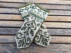 Mitten pattern is also available via email directly from the designer. Mittens Pattern, Knit Mittens, Knitted Gloves, Knitted Shawls, Double Knitting Patterns, Scandinavian Pattern, Fair Isle Knitting, Knitting Accessories, Crochet Clothes