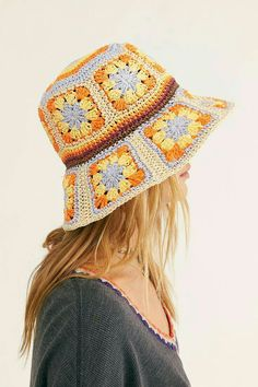 hat aesthetic Summer Of Love Straw Bucket Hat Crochet Granny, Hand Crochet, Knit Crochet, Knit Cowl, Crochet Beanie, Crochet Dolls, Crochet Crafts, Crochet Projects, Crochet Hippie