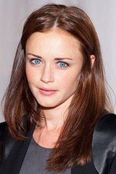 Alexis Bledel is listed (or ranked) 5 on the list Famous Hispanic Actresses Brown Hair Blue Eyes Pale Skin, Brunette Hair Pale Skin, Blonde Light Brown Hair, Hair Colors For Blue Eyes, Chestnut Brown Hair, Hair Color For Fair Skin, Balayage Brunette, Light Hair, Chocolate Brown Hair Pale Skin