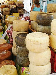 Cheeses and sausages in Alghero's city market