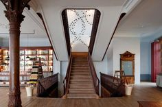 a vida portuguesa - Google Search New York Office, Retail Space, The Neighbourhood, Stairs, Interior Design, Wall, Home Decor, Places, Google