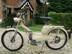 Best of Three Vintage Moped, Vintage Motorcycles, Cars And Motorcycles, Vespa Ape, Antique Booth Ideas, Custom Moped, Moped Scooter, Motorized Bicycle, Motor Scooters