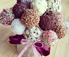 50 Quick and Easy Pastry Recipes you can make at home Candy Recipes, Dessert Recipes, Easy Pastry Recipes, Cupcake Cookies, Cupcakes, Yummy Snacks, Burlap Wreath, Macarons, Creations