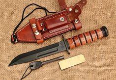 Ka Bar Knives, Cool Knives, Knives And Swords, Leather Knife Sheath Pattern, Custom Hunting Knives, Switchblade Knife, Knife Patterns, Knife Making, Custom Leather