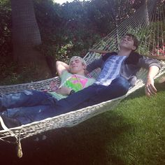 Ross and Ratliff hahaha even tho they're awesome and I mean awesome they still relax hahaha :)