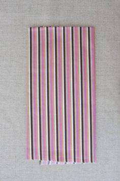ESGOTADO - NA129 Listras rosas/marrom - As cores dos produtos podem sofrer pequenas variações em função do monitor.