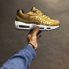 20bcbdd1c98bd1 Nike Air Max 95 Premium QS - 918359-700