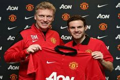 Spanish midfielder Juan Mata believes David Moyes had no luck at all at his time at Manchester United that lasted only 10 months after a disastrous season. David Moyes, Manchester United Players, Fun Quizzes, Old Trafford, Man United, Red S, Football Team, Premier League, Chelsea