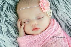 Newborn Baby Girl by MW Photography Foto Newborn, Newborn Shoot, Cute Baby Pictures, Newborn Pictures, Newborn Pics, Beautiful Children, Beautiful Babies, Beautiful Things, Cute Kids