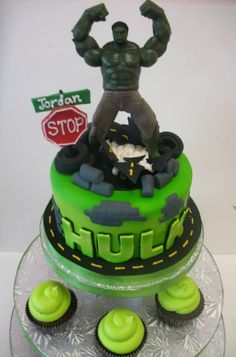 Hulk Smash Birthday Cake Hulk Smash Birthday cake I made for my
