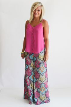 See how even a model doesn't look all that good with a loose top and palazzo pants.