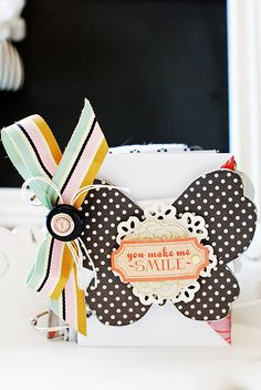 love the striped bow