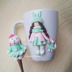 А насколько рано вы начинаете готовить подарки для своих деток? Комплектик  заказала @mother_julia87 для своей дочурки, у которой день рождения в апреле  Я бы не смогла так долго скрывать подарок  #svadebnie_shtuchki #семёновататьяна #полимернаяглина #пластика #кружкасдевочкой #декоркружки #кружкасдекором #кружкиназаказ #кружканазаказ #кружка #ручнаяработа #хэндмэйд#polymerclay #handmade