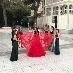 Turkish Women Beautiful, Turkish Beauty, Arabian Women, Esra Bilgic, Henna Party, Bridesmaid Dresses, Wedding Dresses, Turkish Actors, Henna Designs