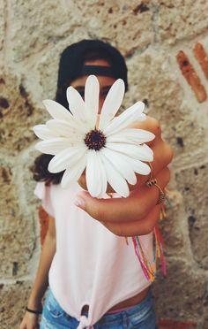 Fotos tumblrs com flores ficam demais e são super fáceis de fazer!!! Tentem aí!!! Sei que vcs vão amar o resultado!!!